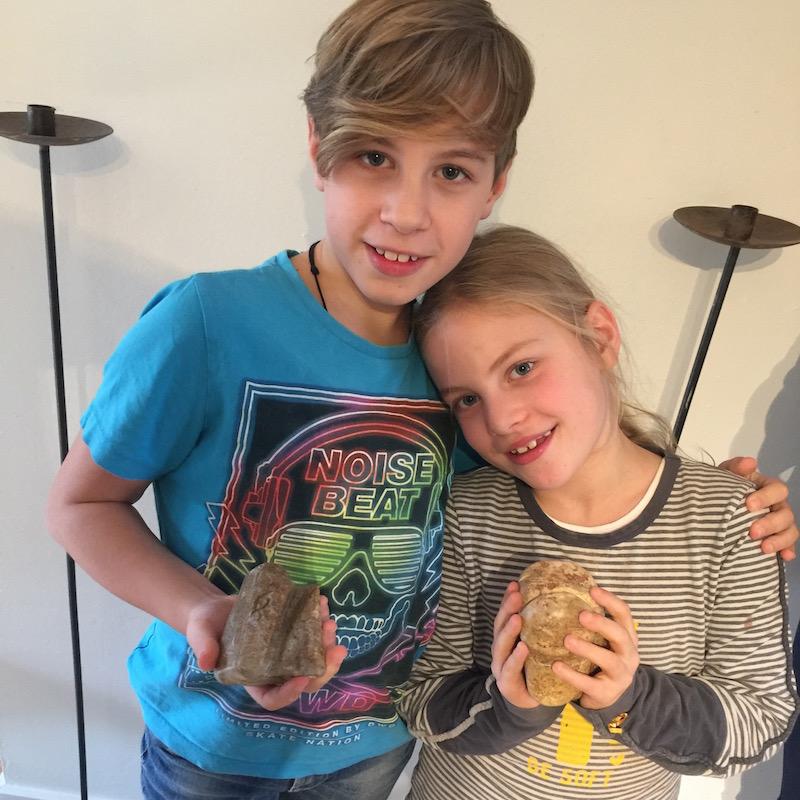 Speksteen bewerken met kinderen